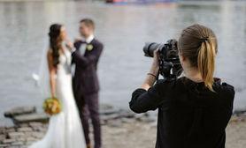 Weekly trending service Wedding Photographer.