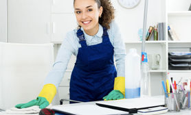 Cel mai cerut serviciu in fiecare săptămână Curățenie Birouri. Este în partea de sus a listei.